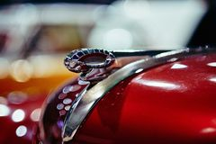MOSCA - 9 MARZO 2018: Berlina 1950 di Dodge al Oldtimer di mostra fotografia stock