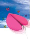 Mosca plana de papel do coração com borboleta Imagem de Stock