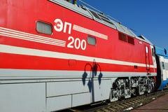 Mosca, Russia - 1° aprile 2017 EP200 - locomotiva elettrica ad alta velocità sperimentale di CA in museo di storia di trasporto f Fotografie Stock