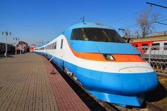 Mosca, Russia - 1° aprile 2017 Sokol 250 è treno ad alta velocità russo con esperienza in museo della storia del trasporto ferrov Fotografia Stock