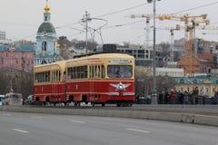 Mosca, Russia - 20 aprile 2019: Tram alla parata dei tram a Mosca immagini stock libere da diritti