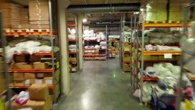 Mosca, Russia - giugno 2018: La logistica del magazzino è importante azione Magazzino con le scatole e le merci stock footage