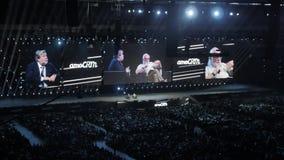 Mosca, Russia, il 4 aprile 2018 Steve Wozniak il co-fondatore dei calcolatori Apple dà la conferenza su innovazione e archivi video