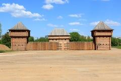 Mosca, Russia - 12 maggio 2018: Disposizione della fortezza di Albazinsky nella Museo-riserva di Kolomenskoye immagini stock