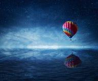 Mosca sobre o mar imagens de stock royalty free