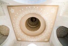 Moschea bianca nell'Abu Dhabi Immagini Stock Libere da Diritti