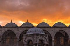 Moschea blu con il tramonto a Costantinopoli Maggio 2016 Fotografie Stock Libere da Diritti