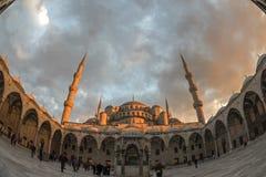 Moschea blu con il tramonto a Costantinopoli Maggio 2016 Immagine Stock