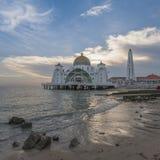 Moschea degli stretti del Malacca (Masjid Selat Melaka) Fotografie Stock