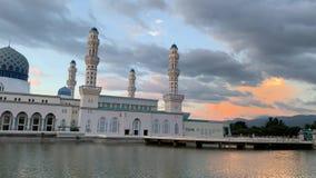 Moschea della citt? del Kota Kinabalu stock footage