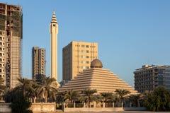 Moschea della piramide nel Kuwait Fotografie Stock