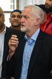 Moschea di visita di Jeremy Corbyn Immagini Stock