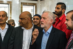 Moschea di visita di Jeremy Corbyn Fotografia Stock Libera da Diritti