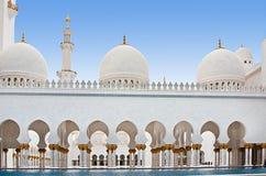 Moschea il 5 giugno 2013 in Abu Dhabi. Fotografia Stock