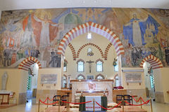 Moschea Qazim e chiesa cattolica a Pecs Ungheria Immagini Stock