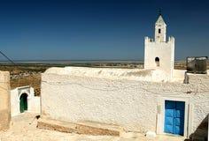 Moschea in qualche luogo in Tunisia Fotografia Stock Libera da Diritti