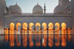 Moschee in Abu Dhabi Lizenzfreie Stockbilder