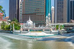 Moschee Masjid Jamek, die im Herzen Kuala Lumpur-Stadt sich befindet Lizenzfreie Stockfotografie