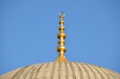 Moschee und Minarett Lizenzfreie Stockfotos