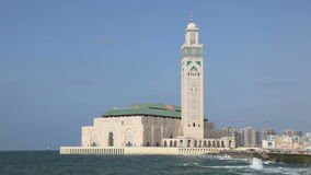 Moschee von Hassan II in Casablanca stock video