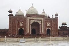 Moschee von Taj Mahal Agra India stockfotografie