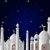 Moschee vor Ramadan bei Sonnenuntergang mit den Sternen und der Mond stockfotografie