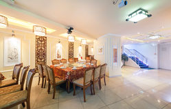 MOSCOU - AOÛT 2014 : Intérieur de restaurant chinois de cuisine Images stock