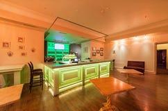 MOSCOU - AOÛT 2014 : Intérieur du restaurant de la cuisine géorgienne et européenne - Photographie stock libre de droits