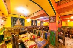 MOSCOU - AOÛT 2014 : Intérieur du restaurant mexicain de boîte de nuit Image stock