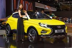 MOSCOU - AOÛT 2016 : Le concept de VAZ Lada XCode a présenté chez MIAS Moscow International Automobile Salon le 20 août 2016 à Mo Image libre de droits