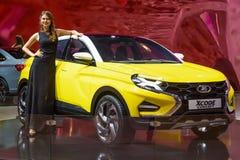 MOSCOU - AOÛT 2016 : Le concept de VAZ Lada XCode a présenté chez MIAS Moscow International Automobile Salon le 20 août 2016 à Mo Image stock