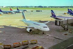 Moscou - avions dans l'aéroport de Sheremetyevo Photos libres de droits