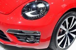 MOSCOU - 29 08 2014 - Do salão de beleza internacional do automóvel de Moscou da exposição do automóvel carros vermelhos na expos Fotografia de Stock
