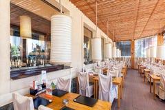 MOSCOU - EM AGOSTO DE 2014: Interior da corrente de restaurante japonesa do sushi Fotografia de Stock Royalty Free
