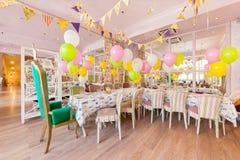 MOSCOU - EM AGOSTO DE 2014: Interior do café da família Fotografia de Stock Royalty Free