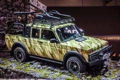 MOSCOU - EM AGOSTO DE 2016: O recolhimento de VAZ-2329 LADA 4x4 apresentou em MIAS Moscow International Automobile Salon o 20 de  Fotos de Stock