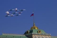 Moscou Kremlin du quai de Sofia en hommage à la victoire Photos stock