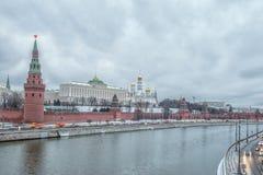 Moscou Kremlin et rivière de Moscou à Moscou, Russie Images libres de droits