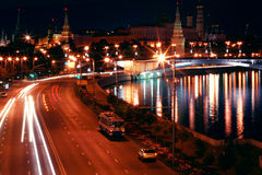 Moscou Kremlin la nuit Photos stock