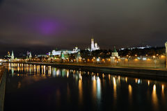 Moscou Kremlin la nuit images libres de droits