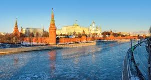 Moscou Kremlin pendant l'hiver Photographie stock libre de droits