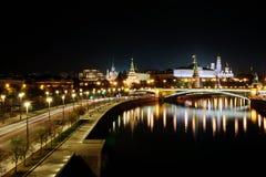 Moscou la nuit photographie stock libre de droits