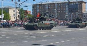 MOSCOU, MAIO, 9, 2018: Parada do feriado da grande vitória de veículos militares do russo Comemorando povos, símbolos da vitória  Imagem de Stock