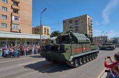 MOSCOU, MAIO, 9, 2018: Parada do feriado da grande vitória do veículo militar do russo: sistema de mísseis RS-24 Yars da arma ant Imagens de Stock