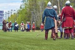 Moscou - peut, 13 2017 Reconstraction de bataille médiévale Image libre de droits