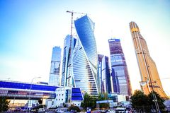 MOSCOU, RÚSSIA 8 DE AGOSTO DE 2014 Construções em novo Foto de Stock Royalty Free