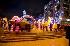 MOSCOU, RÚSSIA - 7 DE JANEIRO DE 2016: Bulevar de Tverskoy no Natal em Moscou fotos de stock