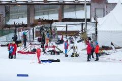 Moscou, RÚSSIA - 18 de janeiro de 2015: Participantes da raça de FIS Ski Cup continental Imagens de Stock Royalty Free