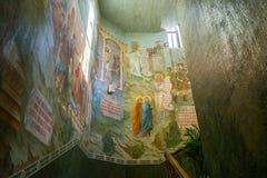 MOSCOU, RÚSSIA - 24 de julho 2017 interior na igreja em honra da ressurreição de Cristo, de mártir novos e de Confessors do russo Fotos de Stock