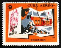 MOSCOU, RÚSSIA - 15 DE JULHO DE 2017: Um selo impresso em Cuba mostra o Sc Imagem de Stock